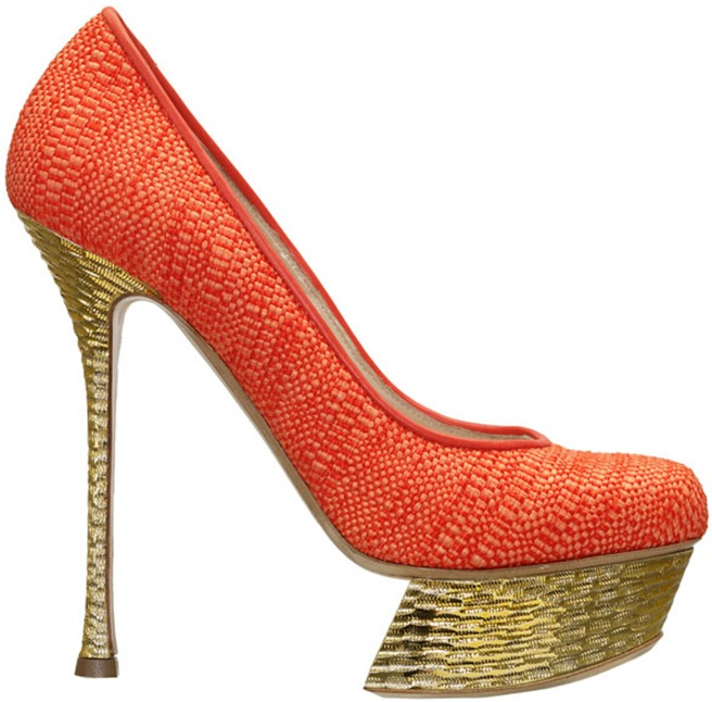 Nicholas Kirkwood orange raffia hammered gold platform pump