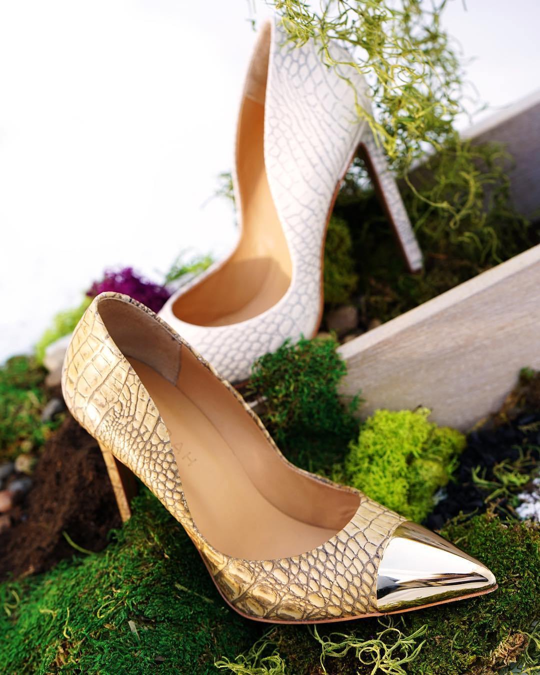Embossed-pumps-Yevrah