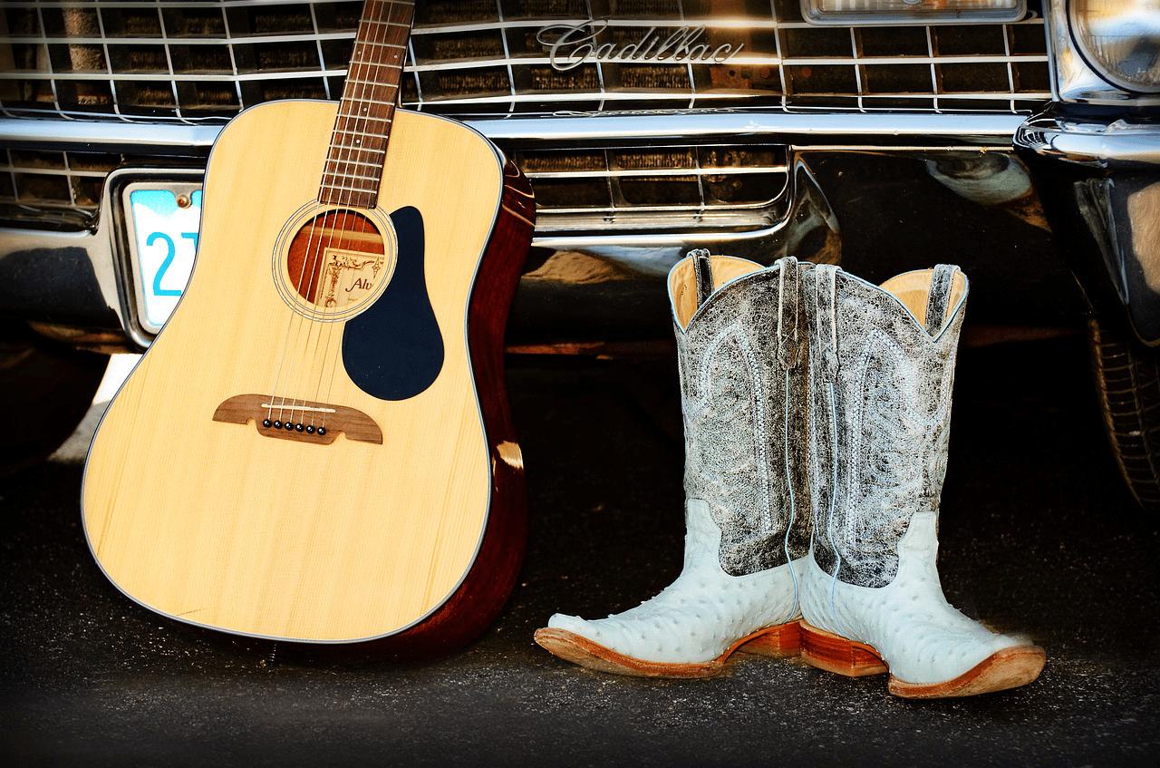 How Should Cowboy Boots Fit