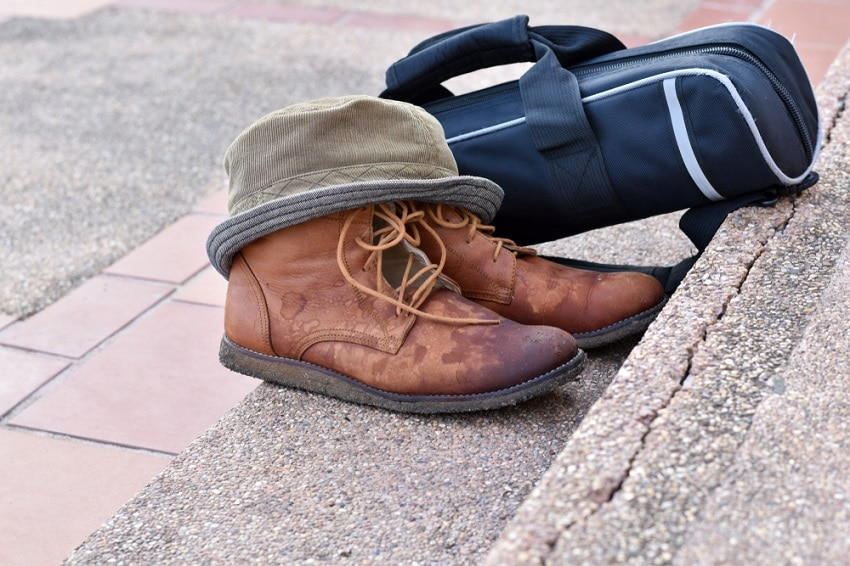 How to Get Tar off Shoes