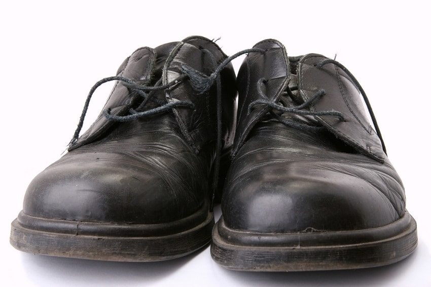 How to Remove Creases from Shoes