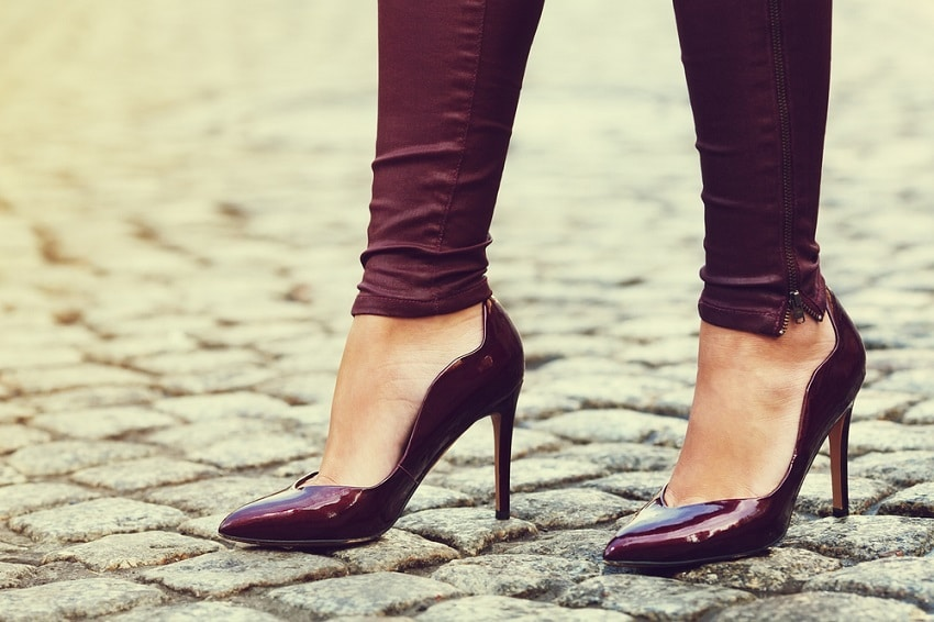 What to Wear With Burgundy Shoes