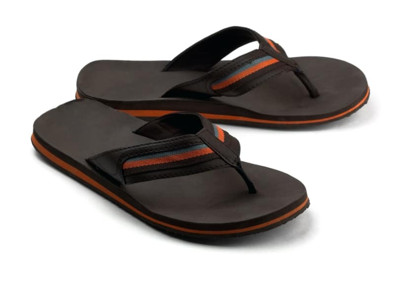 Best Flip Flops for Flat Feet